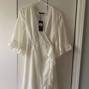 NEW Boohoo White Chiffon Wrap Midi Dress